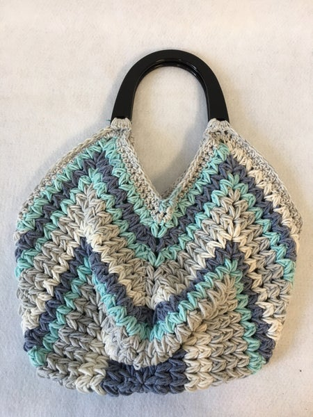 Crocheted market bag by Powder Puff Crochet