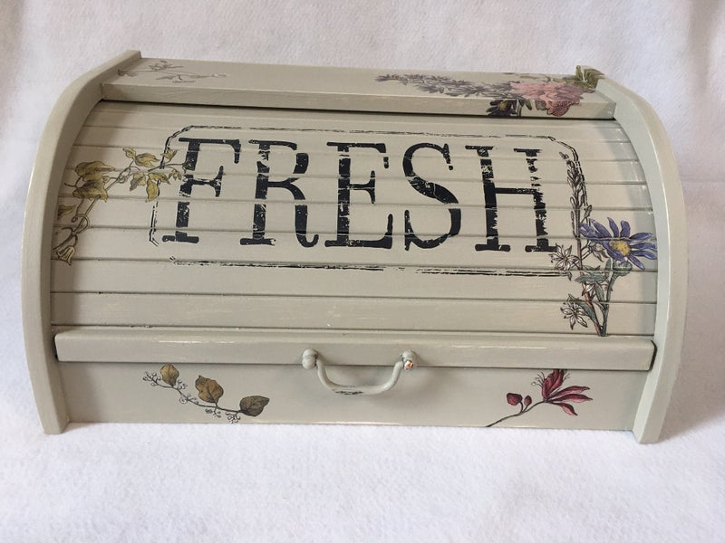 Roll top bread box with transfers