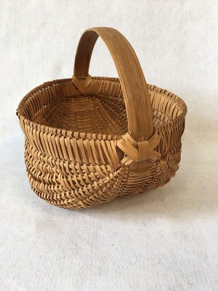 """Vintage gathering basket, 9 1/2"""""""