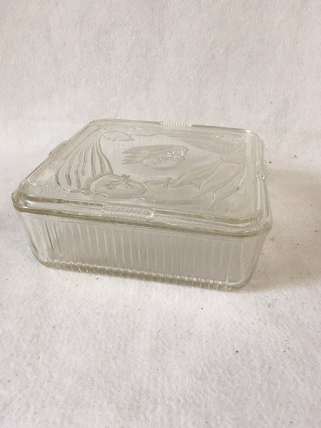 Square refrigerator dish with lid