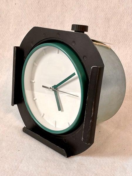 Lens barrel clock