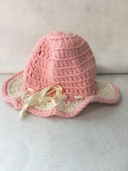 Vintage child's crocheted hat