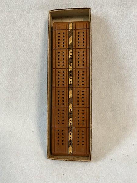 Vintage Horn cribbage board