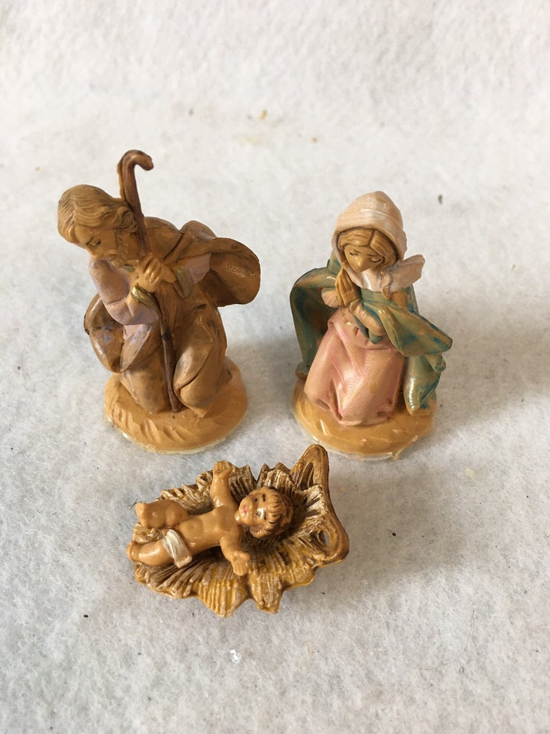 3 piece small nativity, made in Italy