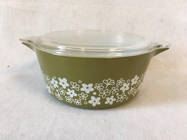 """Pyrex """"Crazy Daisy"""" 2 1/2 qt. bowl w/lid"""