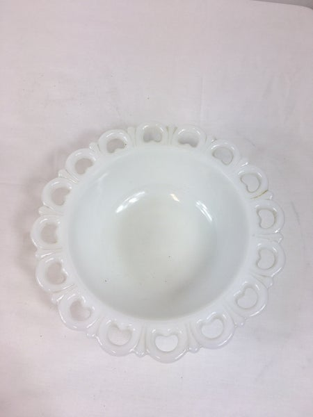 Milkglass serving bowl