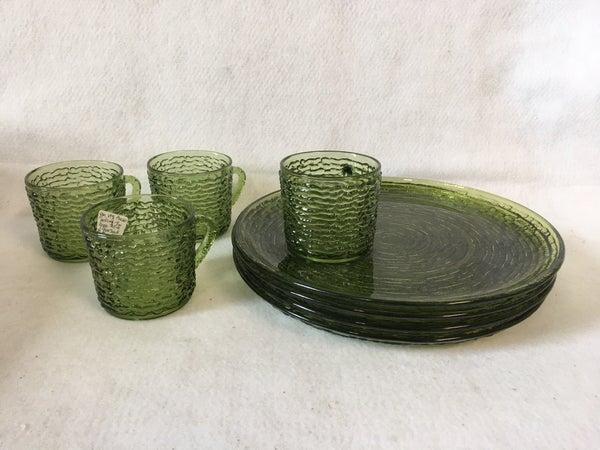 Anchor hocking green Sorento snack plate set