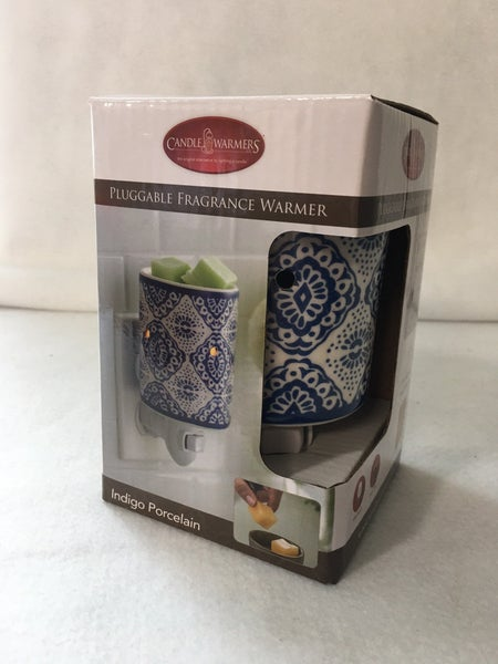 Pluggable fragrance warmer-Indigo Porcelain