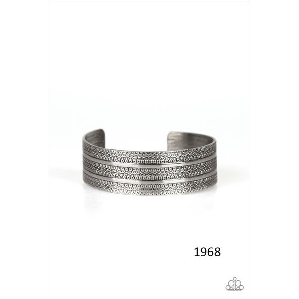 Patterned Plains - Silver