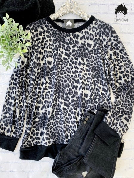 .Super Soft Animal Print Top