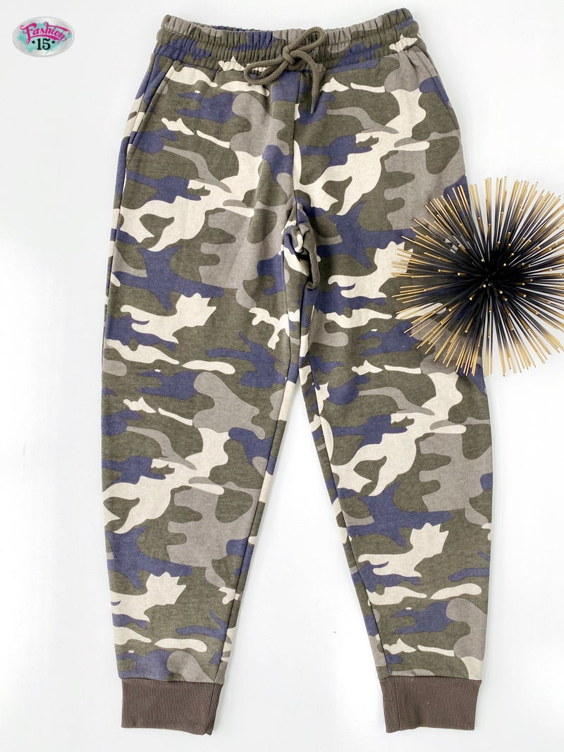 ~.Fleece Lined Camo Joggers