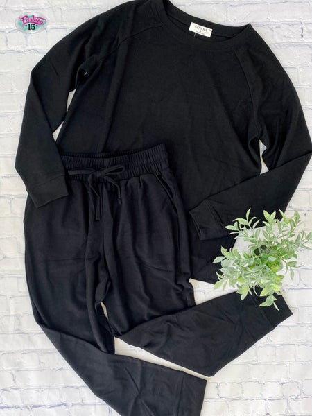 Plus Solid Black Activewear