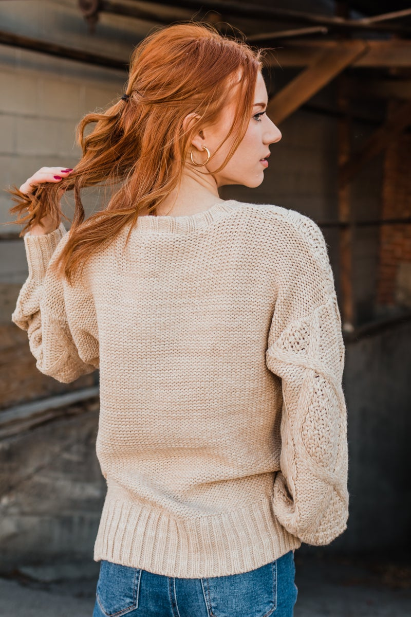 .Cream Cable Knit Sweater