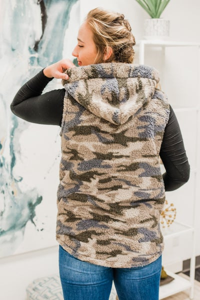 .Sherpa Camo Vest