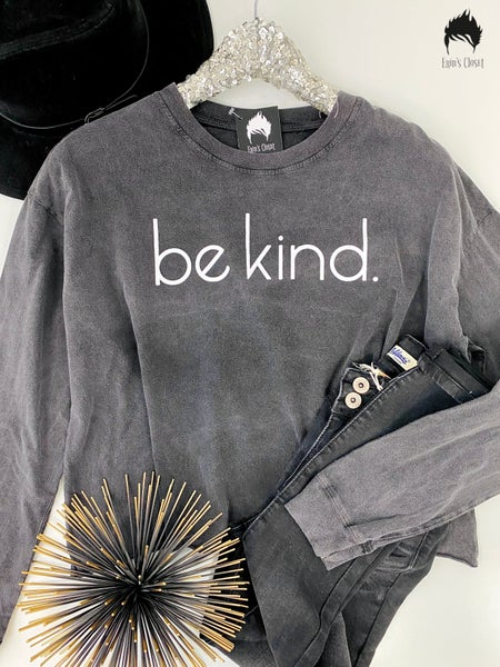 .*Erin's Closet* Charcoal Be Kind Graphic *Final Sale*