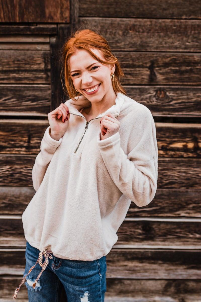 .Super Soft Cream Pullover w/ Tie