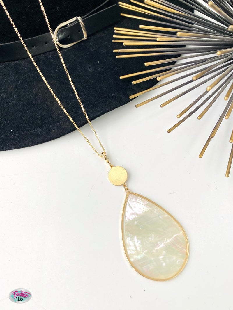 .Teardrop Abalone Shell Necklace