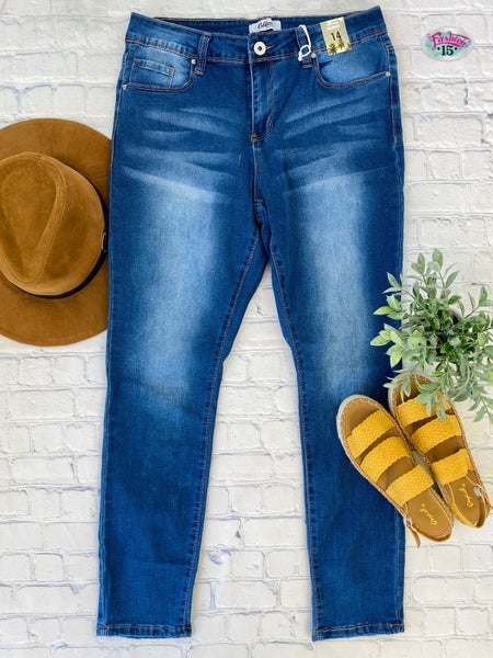.Plus Mid-Rise Skinny Denim
