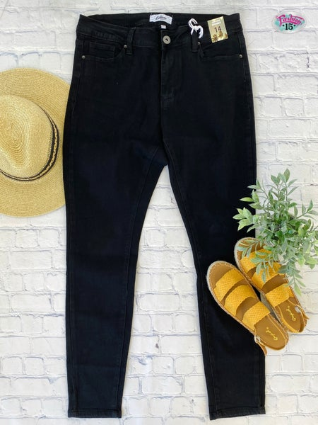 Plus Black Mid-Rise Skinny Denim