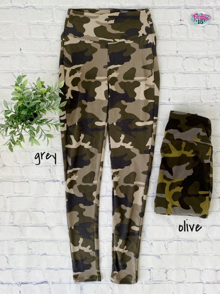 .Plus Camo Leggings