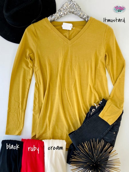 .Long Sleeve V-Neck Round Hem Top