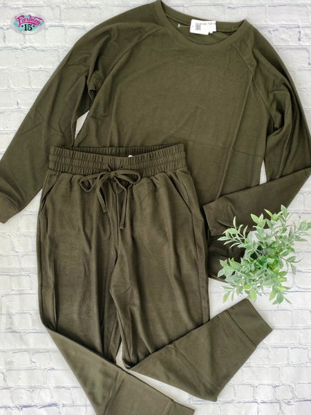 .Solid Olive Activewear