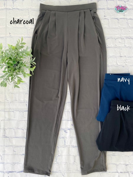 Pleated Solid Pants w/ Pockets
