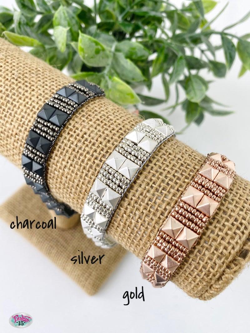 .Metal Adjustable Bracelet