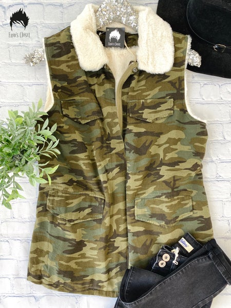 *.Erin's Closet* Super Soft Camo Vest