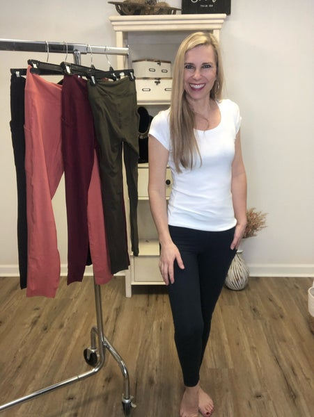 Boutique Item: Butter Soft Fabric Leggings w/Side Pockets