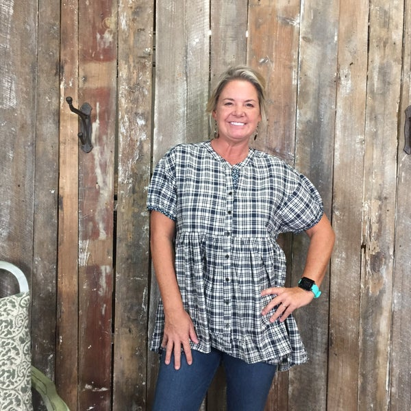 Navy/Cream Plaid Short Sleeve Baby Doll Style Top (GA2)