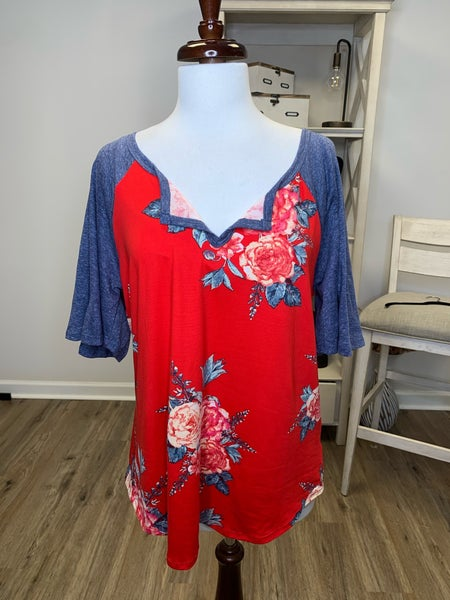 Plus Red Floral Print with Blue Wide Contrast Short Sleeve