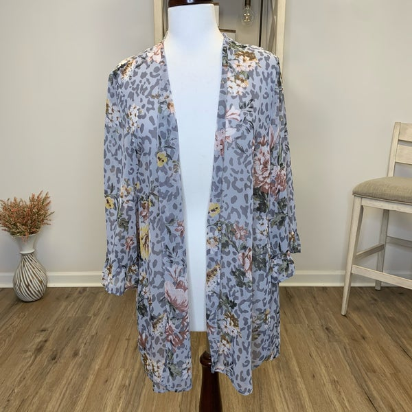PLUS Lightweight Grey Kimono with Floral Design and Ruffle Sleeve