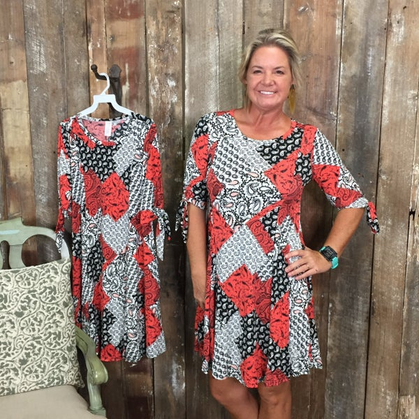 Dark Coral/Black/White Patchwork Print Dress/Tunic with Pockets and Tie Detail Half Sleeves (GA2)