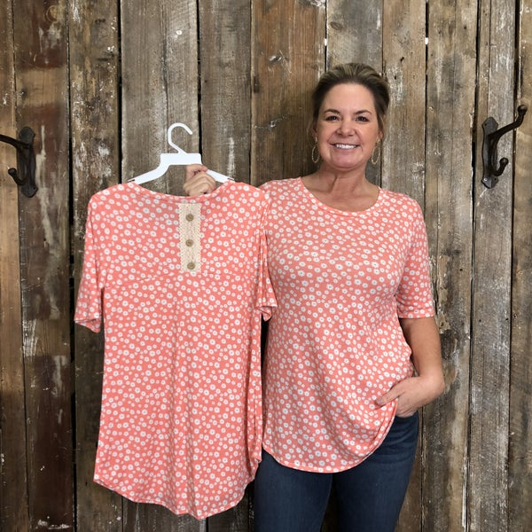 Pink/White Floral Print Short Sleeve Top with Lace/Button Back Detail (GA2)