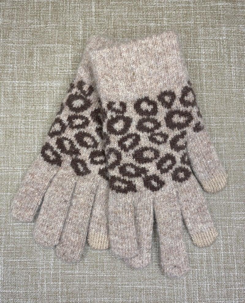 Boutique Item: Leopard Print Knit Smart Touch Gloves MJB (L)