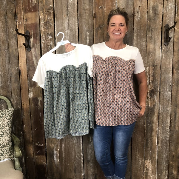 Ivory/Diamond Print Top with Short Sleeves(GA2)
