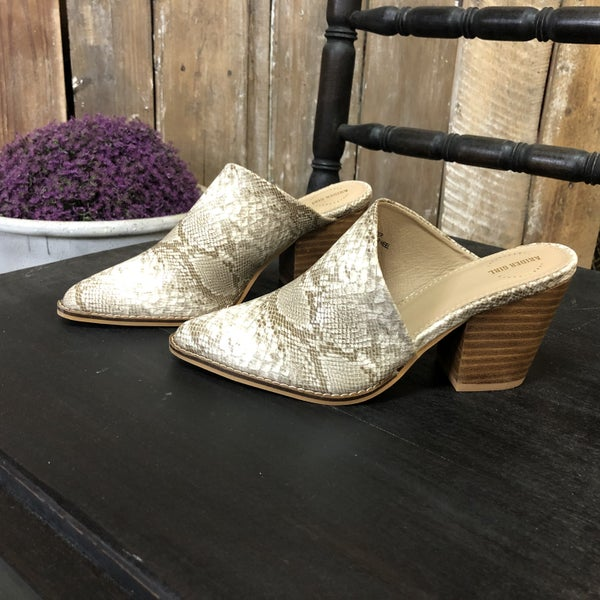 White/Tan Snake Skin Slip-On Backless Chunky Heel Shoe (GA2)
