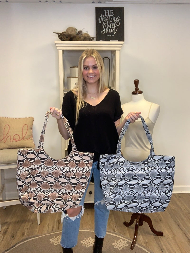 Boutique Items: Snake Print Fully Lined Tote Bag w/Zipper Closure MJB (L)