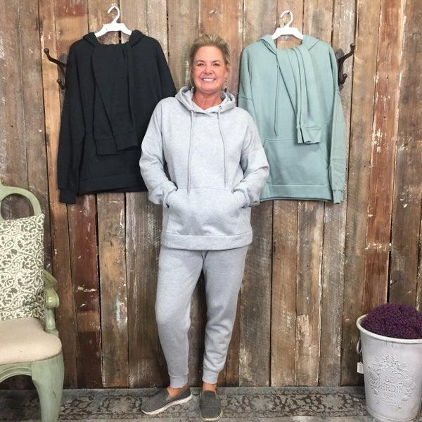 Hooded Sweatshirt with Kangaroo Pocket and Sweatpants Set (GA2)