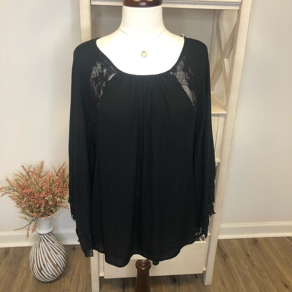 Black Top w/ Lace Detail and Wing Sleeve