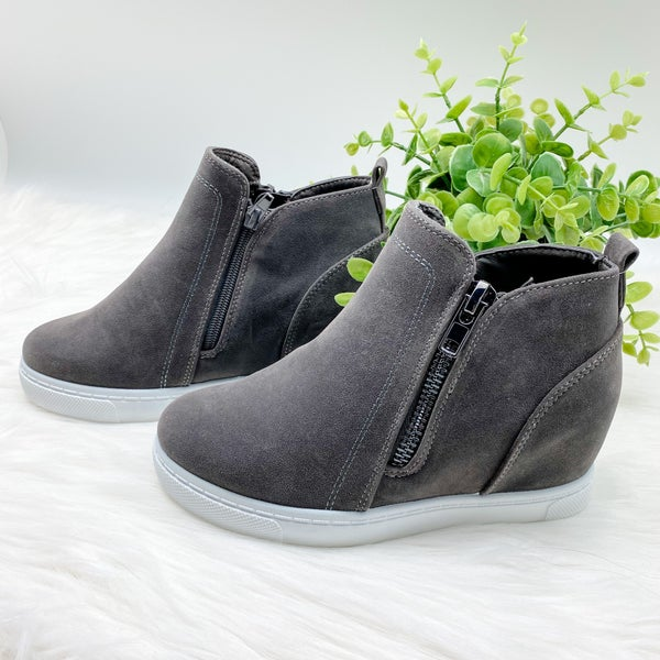 *Shoe Collection* High Top Sneaker Wedge, Grey