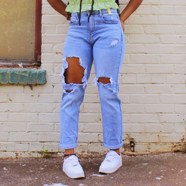 Distressed Mom Jeans - Medium