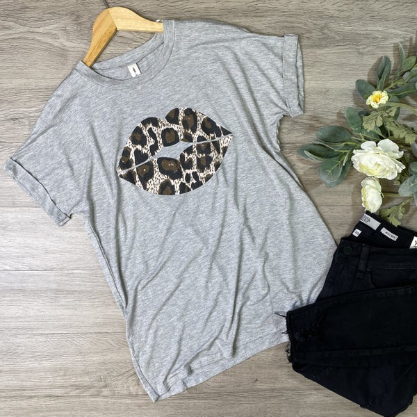 *Kendra's Collection* Leopard Lip Graphic Tee, Heather Gray
