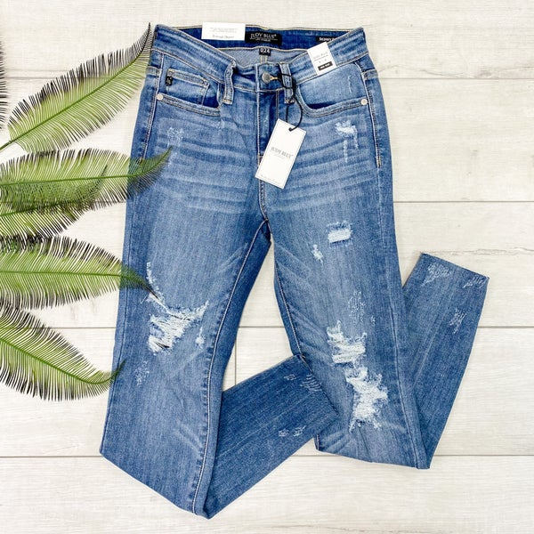 *Judy Blue* Mid Rise Distressed Skinny jean, Medium