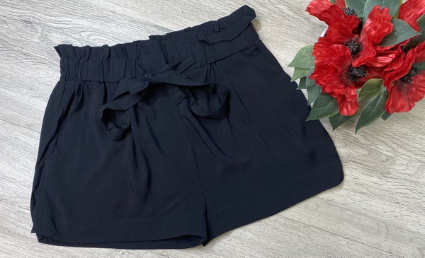 Paperbag Shorts- Black