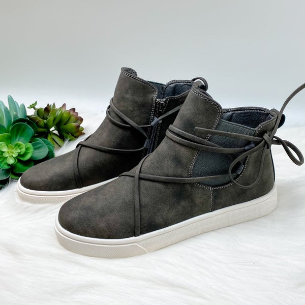 *Shoe Collection* High Top Sneaker, Gray