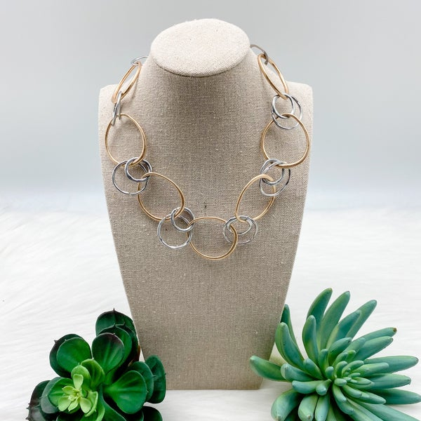 Multi Metal Interlocking Short Necklace