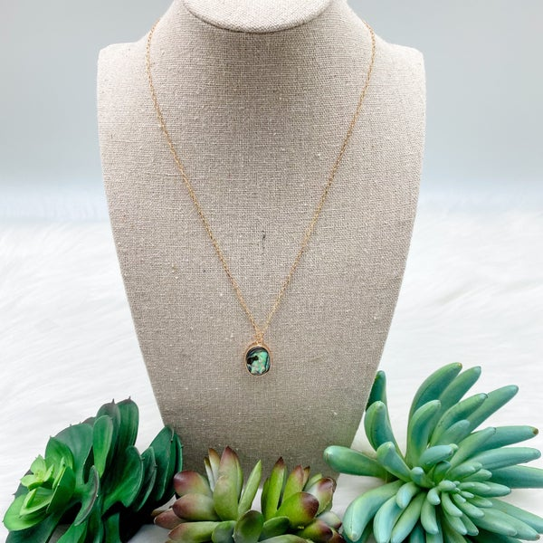 Oval Abalone Shell Short Necklace
