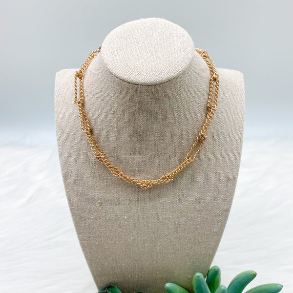 Short Intertwining Chain Necklace, Gold